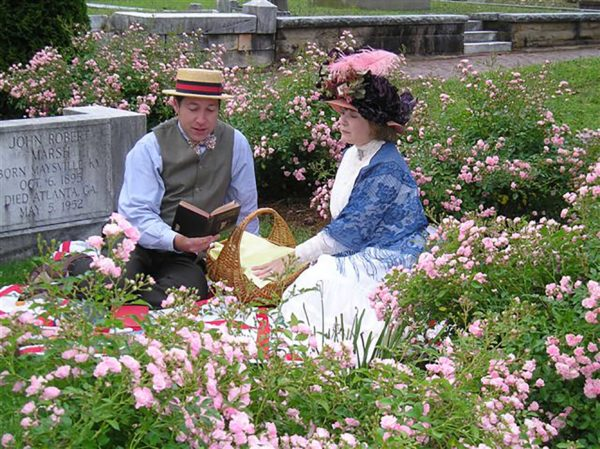 Oakland Cemetery's Love Stories event takes place Feb. 10.