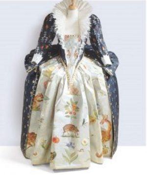 "Isabelle de Borchgrave's exhibit ""Fashioning Art From Paper"""